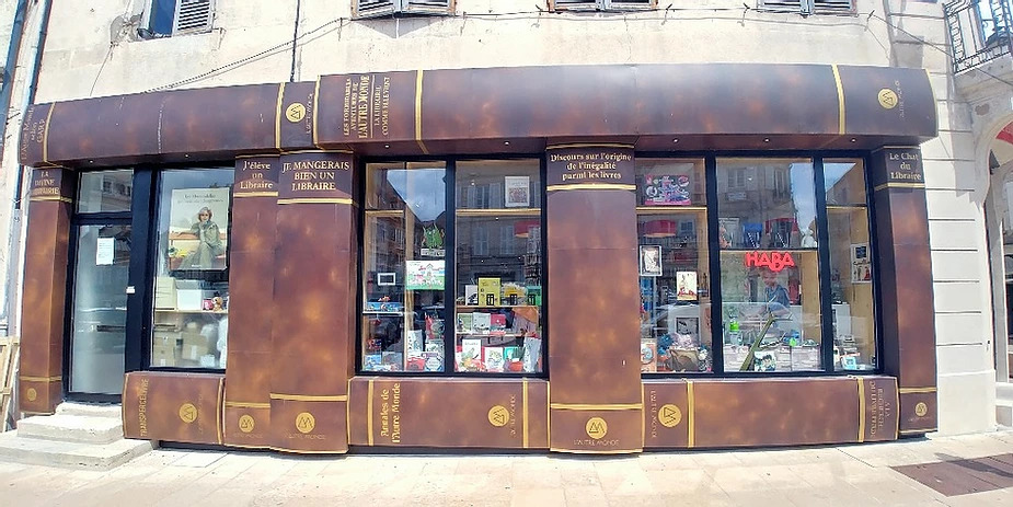 boekenwinkel in Avallon